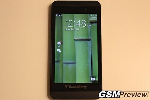 В САЩ BlackBerry Z10 ще се продава за 999 долара