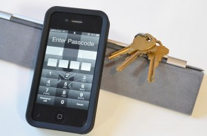 iOS 6.1 Hack allows iPhone lock screen bypass