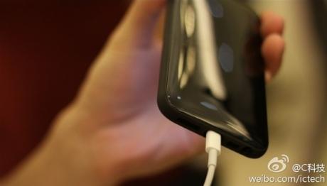 Появиха се предполагаемите снимки на бюджетния iPhone